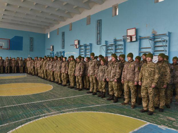 В военкоматы Запорожской области пришло намного больше военнообязанных, чем было нужно