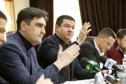 deputat-zaporozhskogo-oblsoveta-nu-chto-vy-vse-suete-i-suete.jpg