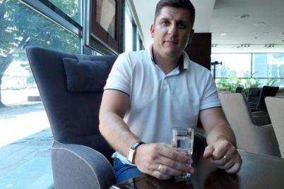 dmitrij-seryj-ukrainu-zhdyot-pokolenie-golosuyushhih-palczev.jpg