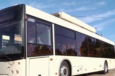 do-zaporizhzhya-pribuv-tretij-trolejbus-z-avtonomnim-hodom.jpg