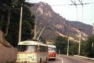 do-zaporizhzhya-privezli-unikalnij-krimskij-trolejbus.jpg