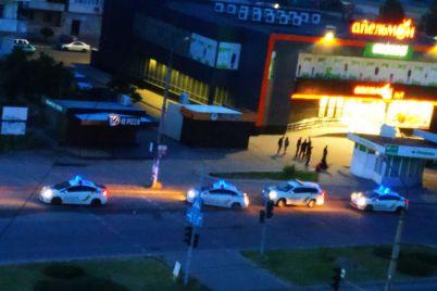 dvoe-zaporozhczev-kupili-nozhi-i-ustroili-draku-vozle-supermarketa-zarezav-odnogo-iz-opponentov.jpg