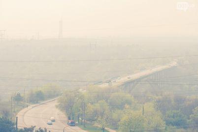 ekologi-ne-smogli-vyyasnit-prichinu-edkogo-smoga-v-zaporozhe.jpg