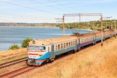 elektrichki-v-zaporozhe-ne-polzuyutsya-populyarnostyu-nesmotrya-na-bolshie-probki-na-mostah-foto.jpg