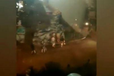 fanati-futbolu-v-zaporizhzhi-vlashtuvali-masshtabnu-bijku.jpg