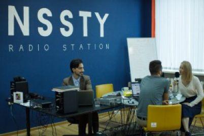 fm-radio-nichego-novogo-slushatelyu-ne-predlagaet-kak-troe-entuziastov-sozdali-v-zaporozhe-internet-radiostancziyu.jpg
