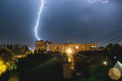 fotograf-sdelala-zavorazhivayushhie-snimki-grozy-v-zaporozhskoj-oblasti-foto.jpg