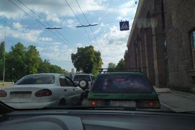 fury-prodolzhayut-ezdit-po-zaporozhskim-mostam-sozdavaya-kardinalnye-neudobstva-video.jpg