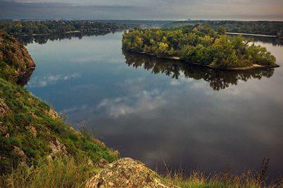 gidroarheologi-z-kid194va-dnipra-ta-zaporizhzhya-proveli-ekspedicziyu-bilya-horticzi.jpg