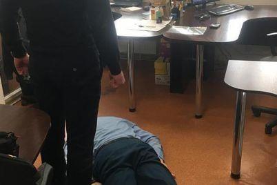 glavnogo-inspektora-tamozhennogo-posta-zaporozhe-zaderzhali-na-vzyatke.jpg