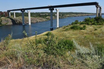 gorsovet-zaporozhya-reshil-vydelit-dengi-kotorye-pomogut-razmorozit-stroitelstvo-mostov-cherez-dnepr.jpg