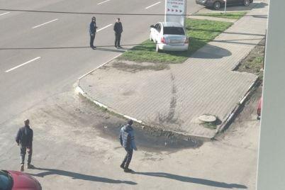 grohot-i-kriki-na-metallurgov-pustaya-mashina-vletela-v-banner-1.jpg