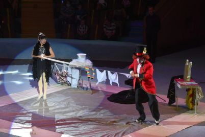 illyuzionisty-akrobaty-i-dressirovshhiki-czirk-vozobnovlyaet-programmu-flash-circus.jpg