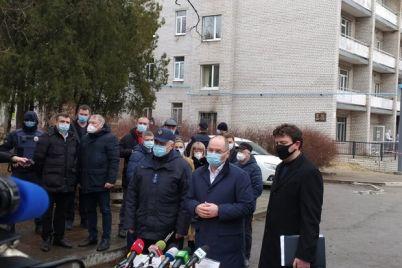 infekczionnaya-bolnicza-prodolzhit-rabotat-stepanov-pribyl-v-zaporozhe.jpg