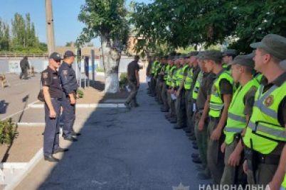 isterichki-vzyali-spichki-zaporozhskij-patrulnyj-o-patrulirovanii-voennymi-ulicz.jpg