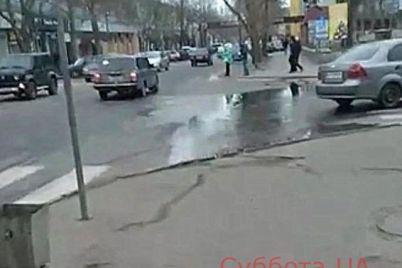 istoricheskaya-chast-melitopolya-utopaet-v-fekaliyah-foto.jpg