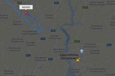 iz-za-nepogody-v-aeroportu-zaporozhya-ne-smog-sovershit-posadku-samolet.png