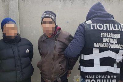 iz-zaporozhya-dvoe-kurerov-postavlyali-narkotiki-v-melitopol.jpg