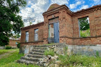 izvestnyj-bloger-pokazal-krasotu-starinnyh-zdanij-v-sele-zaporozhskoj-oblasti.jpg