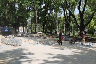 kak-prodvigaetsya-rekonstrukcziya-v-zaporozhskom-parke-foto.jpg