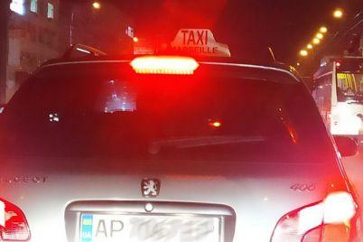 kak-v-kino-po-uliczam-zaporozhya-ezdit-taksi-iz-odnoimennogo-filma-1.jpg