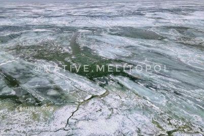 kak-v-zaporozhskoj-oblasti-na-more-taet-led-foto.jpg