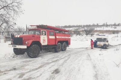 kak-v-zaporozhskoj-oblasti-osvobozhdali-lyudej-iz-snezhnogo-plena-foto.jpg