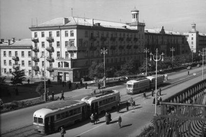 kak-vyglyadel-czentr-zaporozhya-70-let-nazad-foto.jpg