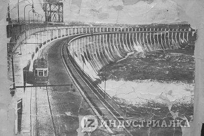 kak-vyglyadeli-derevyannye-tramvai-v-zaporozhe-foto.jpg