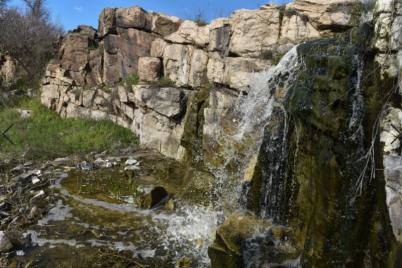 kak-vyglyadit-vodopad-pod-zaporozhem-foto.png