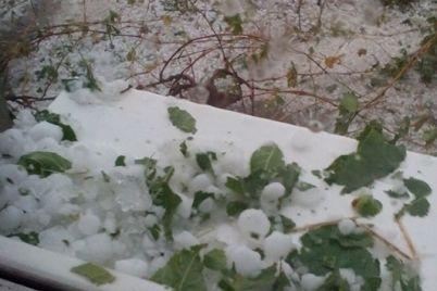 kak-zimoj-v-sele-pod-zaporozhem-vypal-silnyj-grad-foto-1.jpg