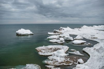 kakim-byl-poslednij-den-zimy-na-azovskom-more-foto.jpg