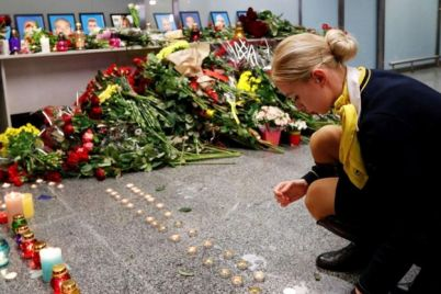 katastrofa-samoleta-mau-v-aeroportu-borispol-proshhayutsya-s-pogibshimi-ukrainczami.jpg