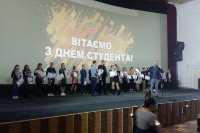 luchshie-zaporozhskie-studenty-vstretilis-s-angelami-charli.jpg
