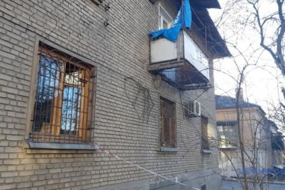 meshkanecz-zaporizkod197-bagatopoverhivki-zustriv-novij-rik-z-vpavshi-na-zemlyu-balkonom.jpg