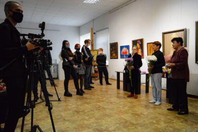mir-krasoty-pokazali-v-zaporozhskom-muzee.jpg