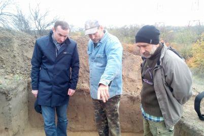 na-horticze-arheologi-vpervye-za-30-let-nashli-kazaczkie-zimovniki-foto.jpg