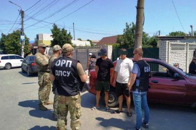 na-kurortah-zaporozhskoj-oblasti-nelegalno-rabotali-vyhodczy-iz-postsovetskih-stran-foto.jpg