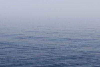 na-matrase-za-kilometr-ot-berega-i-na-plavuchem-ostrove-vchera-v-zaporozhskoj-oblasti-na-vode-spasli-treh-chelovek.jpg