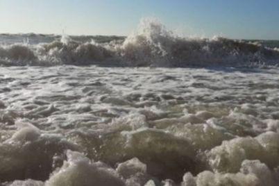 na-poberezhe-azovskogo-morya-zafiksirovali-redkij-prirodnyj-fenomen-foto.jpg