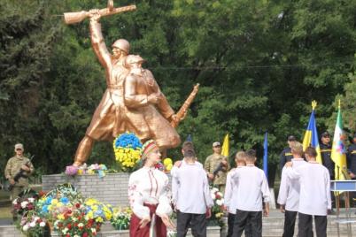 na-pologivshhini-vshanuvali-pamyat-gerod197v-vizvoliteliv.png