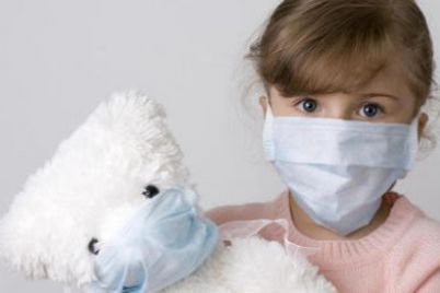 na-rovenshhine-deti-prodavali-samodelnye-maski.jpg