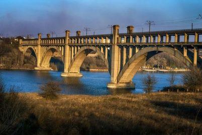na-sleduyushhej-nedele-perekroyut-proezd-po-mostu-preobrazhenskogo.jpg