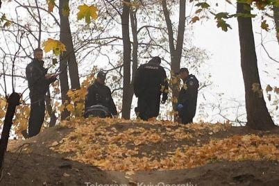na-territorii-kievskogo-universiteta-povesilsya-student-foto-video.jpg