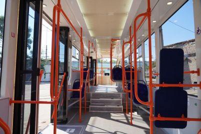 na-tramvajni-marshruti-zaporizhzhya-vijde-novij-vagon.jpg