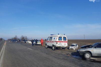na-trasi-u-zaporizkij-oblasti-zitknulisya-7-avtomobilej.jpg