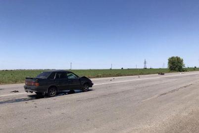 na-trasse-v-zaporozhskoj-oblasti-vaz-smyalo-ot-stolknoveniya-s-mopedom-est-postradavshie-foto.jpg