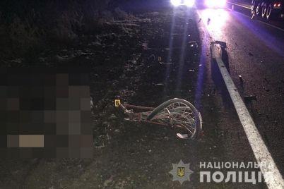na-trasse-v-zaporozhskoj-oblasti-voditel-kia-sportage-sbil-nasmert-velosipedista.jpg