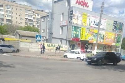na-vuliczyah-mista-zaporizkod197-oblasti-pomitili-avtomobilnij-raritet-foto.jpg