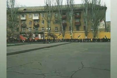 na-zaporizhzhi-do-dnya-sobornosti-shkolyari-ta-studenti-utvorili-zhivij-lanczyug.jpg